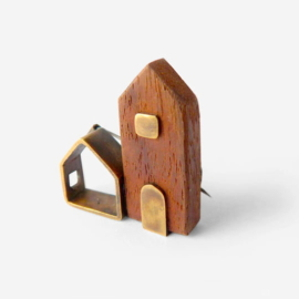 Broche con dos casitas