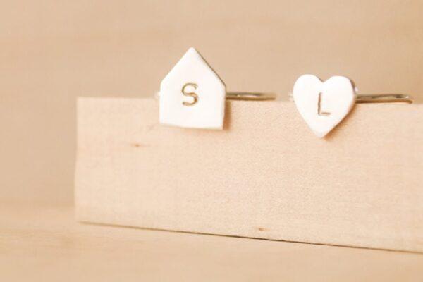 anillos personalizados con inicial
