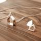 Combo Ciudad: collar y aros con forma de casita de plata 925. Bruselas Joyería Contemporánea